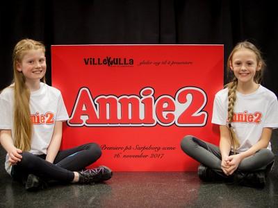 Ebba og Alva blir Annie.
